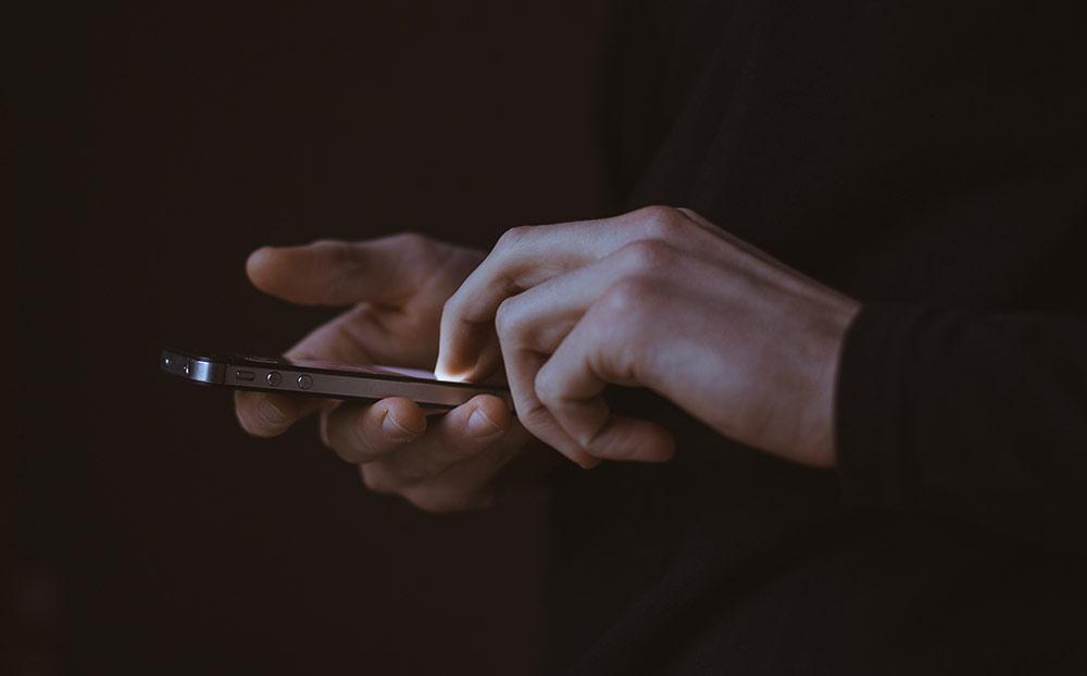 handsandphone